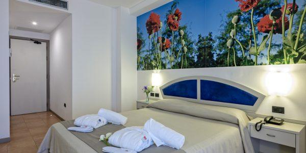 HotelAntares-CameraPanorama3-600×300